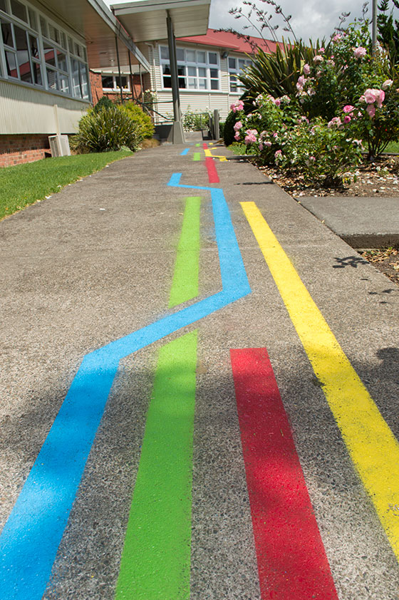 Colour leading path